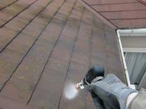 柏市F様邸 屋根外壁塗装リフォーム 高圧洗浄中