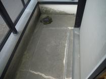 足立区M様邸 コンクリート再生塗装前3